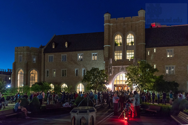 July 6, 2018; The College of Science opened Jordan Hall of Science's observatory and front lawn for the Summertime Stargazing event. The public event gave visitors a chance to view planets and stars with the help of Astrophysics faculty and graduate students. (Photo by Matt Cashore/University of Notre Dame)