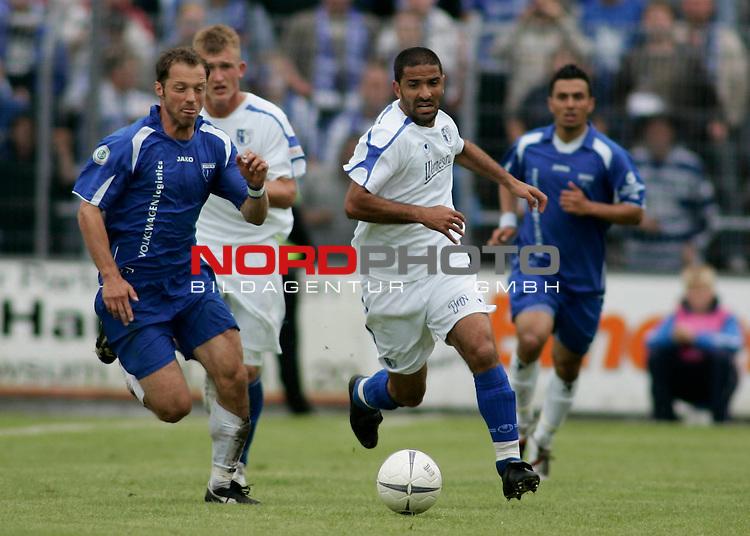 RLN 2006/2007 - 33.Spieltag R&uuml;ckrunde <br /> Kickers Emden - 1. FC Magdeburg 4:2<br /> Am Ball: Kais Manai - links: Nermin Celikovic (Kickers)<br /> <br /> Foto &copy; nph / nordphoto *** Local Caption *** Foto ist honorarpflichtig! zzgl. gesetzl. MwSt.<br /> <br /> Belegexemplar erforderlich