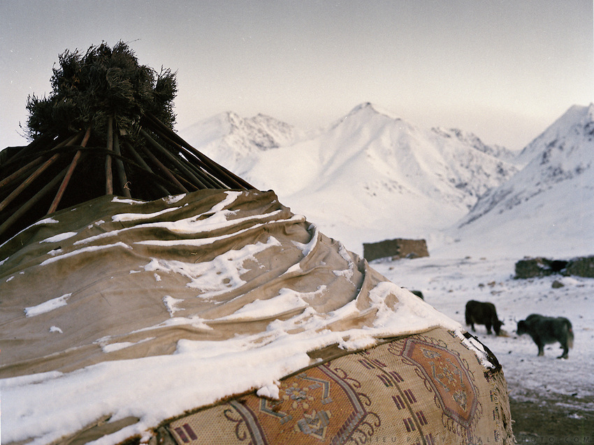 A yurt's roof..Campment of Tshar Tash (Haji Osman's camp), in the Wakhjir valley, at the source of the Oxus..Winter expedition through the Wakhan Corridor and into the Afghan Pamir mountains, to document the life of the Afghan Kyrgyz tribe. January/February 2008. Afghanistan