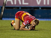 Dragons' George Gasson scores his sides third try<br /> <br /> Photographer Simon King/CameraSport<br /> <br /> Guinness Pro14 Round 6 - Cardiff Blues v Dragons - Friday 6th October 2017 - Cardiff Arms Park - Cardiff<br /> <br /> World Copyright &copy; 2017 CameraSport. All rights reserved. 43 Linden Ave. Countesthorpe. Leicester. England. LE8 5PG - Tel: +44 (0) 116 277 4147 - admin@camerasport.com - www.camerasport.co