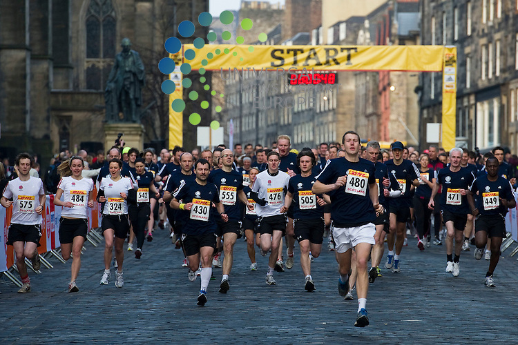 The start of the Sport Relief Mile in Edinburgh's Royal Mile, Scotland, 23rd March 2012..Picture:Scott Taylor Universal News And Sport (Europe) .All pictures must be credited to www.universalnewsandsport.com. (Office)0844 884 51 22.