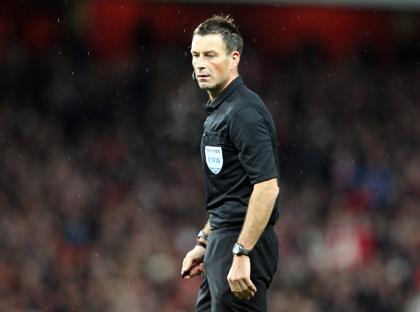 Referee Matk Clattenburg<br />  Photo by Kieran Galvin / Camerasport<br /> Football - FA Challenge Cup Third Round - Arsenal v Tottenham Hotspur - Saturday 4th January 2014 - Emirates Stadium - London<br /> <br />  &copy; CameraSport - 43 Linden Ave. Countesthorpe. Leicester. England. LE8 5PG - Tel: +44 (0) 116 277 4147 - admin@camerasport.com - www.camerasport.com