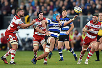 Zach Mercer of Bath Rugby looks to gather the ball. Aviva Premiership match, between Bath Rugby and Gloucester Rugby on October 29, 2017 at the Recreation Ground in Bath, England. Photo by: Patrick Khachfe / Onside Images