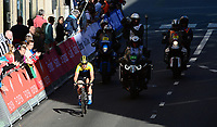 Picture by Simon Wilkinson/SWpix.com - 23/09/2017 - Cycling UCI 2017 Road World Championships Bergen Norway - Road Race <br /> Women Elite/Femmes Elite<br /> Peloton crowds fans spectators bergen city centre