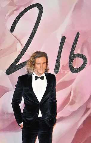 Dougie Poynter at the Fashion Awards 2016, Royal Albert Hall, Kensington Gore, London, England, UK, on Monday 05 December 2016. <br /> CAP/CAN<br /> ©CAN/Capital Pictures /MediaPunch ***NORTH AND SOUTH AMERICAS ONLY***