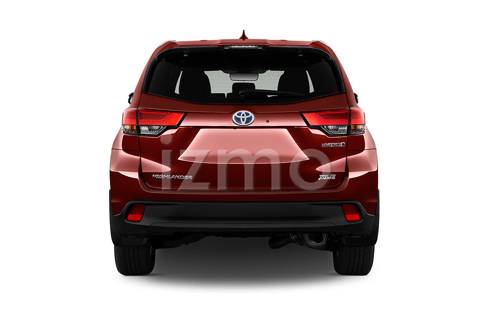 Straight rear view of 2019 Toyota Highlander XLE 5 Door SUV Rear View  stock images