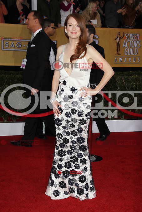 LOS ANGELES, CA - JANUARY 27: Julianne Moore at The 19th Annual Screen Actors Guild Awards at the Los Angeles Shrine Exposition Center in Los Angeles, California. January 27, 2013. Credit: mpi27/MediaPunch Inc. /NortePhoto