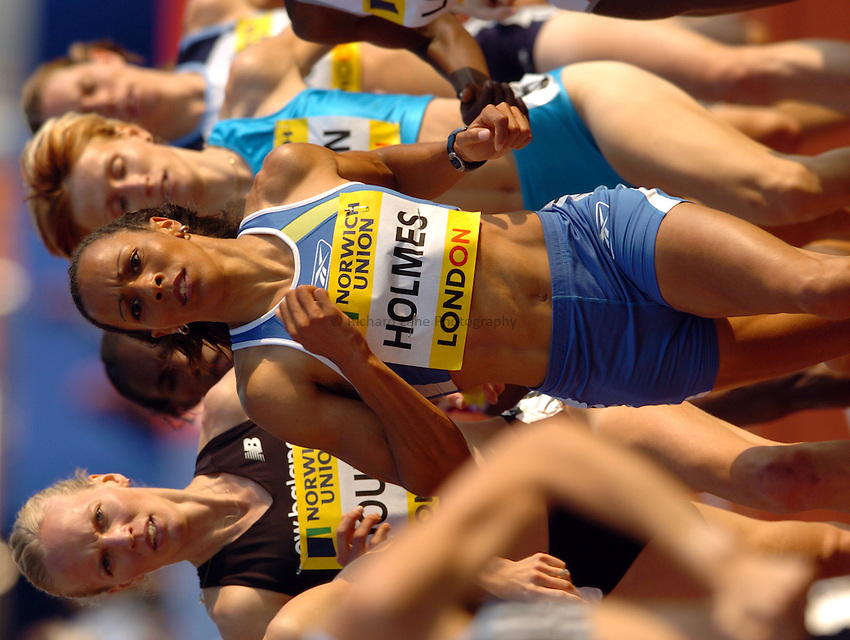 Photo. Henry Browne..Norwich Union London Grand Prix Athletics at Crystal Palace. 30/07/2004..Womens 1500m..Kelly Holmes leading the pack.