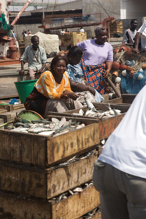 Market women waiting to buy fish at Tema, Ghana. Photograph by Peter E. Randall