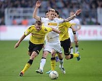 Fussball 1. Bundesliga :  Saison   2010/2011   32. Spieltag  21.04.2012 Borussia Dortmund - Borussia Moenchengladbach Lukasz Piszczek (li, Borussia Dortmund) gegen Marco Reus (Borussia Moenchengladbach)