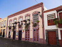A business and residential house in the shopping street Calle Perez de Brito at Santa Cruz.