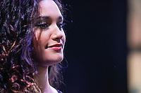 """ATENCAO EDITOR IMAGEM EMBARGADA PARA VEICULOS - SAO PAULO, SP, 23 OUTUBRO 2012 - SALAO INTERNACIONAL DO AUTOMOVEL - A atriz Debora Nascimento, a """"Tessalia"""" da novela """"Avenida Brasil"""" 27 Salao Internacional do Automovel em Sao Paulo, no Anhembi regiao norte da capital paulista, nesta terca-feira, 23. O salao sera aberto ao público de 24 de outubro a 04 de novembro. Pela primeira vez, o salao brasileiro, inaugurado em 1906, tera dois lancamentos de veiculos globais e contara com varios executivos do primeiro escalao das principais fabricantes mundiais como Volkswagen, General Motors e Honda. O evento deste ano terá participacao recorde de 49 marcas e 500 modelos expostos. (FOTO: VANESSA CARVALHO / BRAZIL PHOTO PRESS)."""