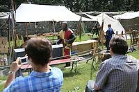 Vorführungen im MC Sommer Ritterlager der Mediavelis Cultus (INteressengemeinschaft für mittelalterliche Lebensart) im Hof der Burg Frankenstein