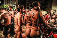 """SÃO PAULO,SP, 05.03.2016 - PEDALADA PELADA-SP - Ciclistas seminus participam do evento anual """"World Naked Bike Ride"""" em São Paulo. O objetivo do movimento é promover uma cultura mais positiva e encorajar o ciclismo como uma forma mais limpa de transporte, além de pedir mais respeito aos ciclistas neste sábado, 05. (Foto: Amauri Nehn/Brazil Photo Press)"""