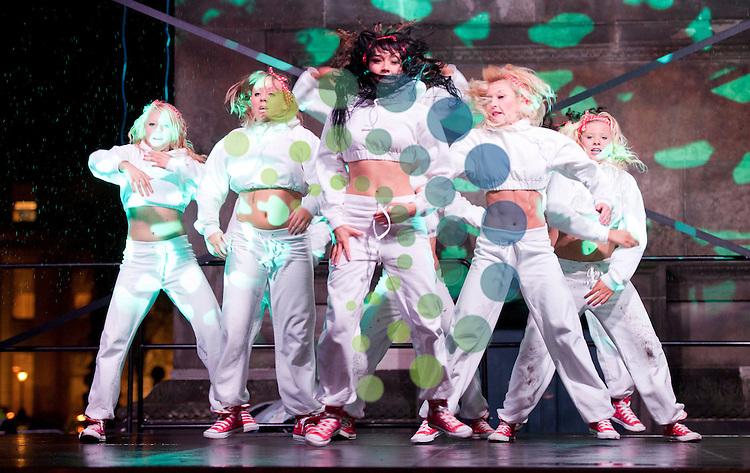 Edinburgh's Christmas 2011 will burst into life with Light Night celebrations. Performers showcase at Edinburgh's Got Talent. Picture: Pavol Mraz/Universal News And Sport (Scotland). 24/ November 2011.
