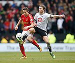 Forest's Chris Cohen and Jeff Hendrick of Derby during the Skybet Championship match at the iPro Stadium. Photo credit should read: Philip Oldham/Sportimage