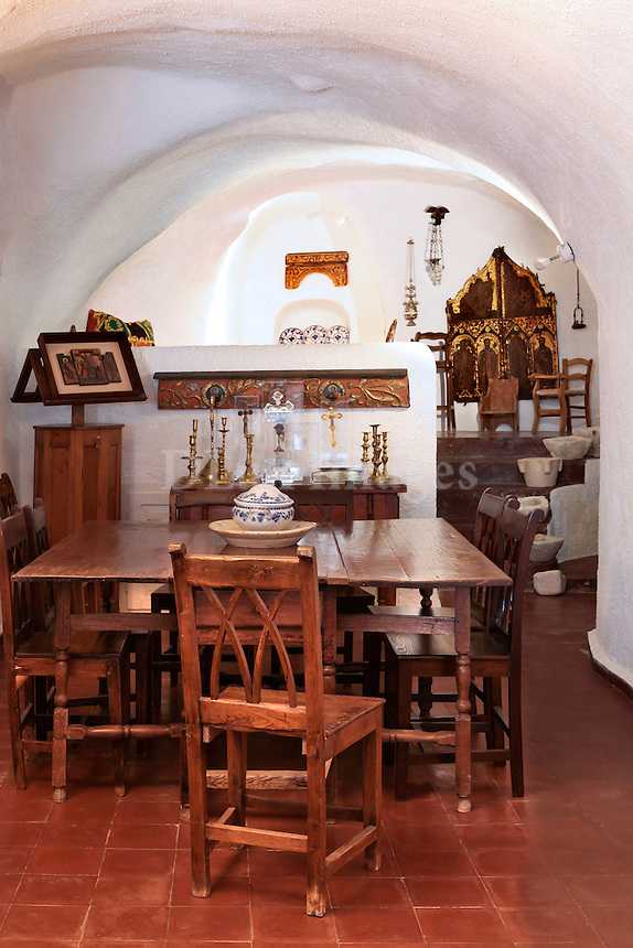 traditional cave room