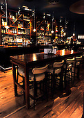 Grill on the Corner, Glasgow - the new bar area - picture by Donald MacLeod 18.11.10 - mobile 07702 319 738 - clanmacleod@btinternet.com - www.donald-macleod.com