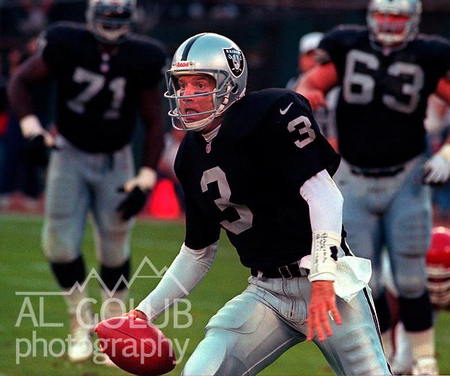 Oakland Raiders vs. Kansas City Chiefs at Oakland Alameda County Coliseum Monday, September 8, 1997.  Chiefs beat Raiders  28-27.  Oakland Raiders quarterback Jeff George (3).