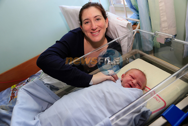 Carol Crahan with baby Oscar Halpin christmas day babies who were born in Our lady of Lourdes hospital.<br /> Picture: Fran Caffrey www.newsfile.ie