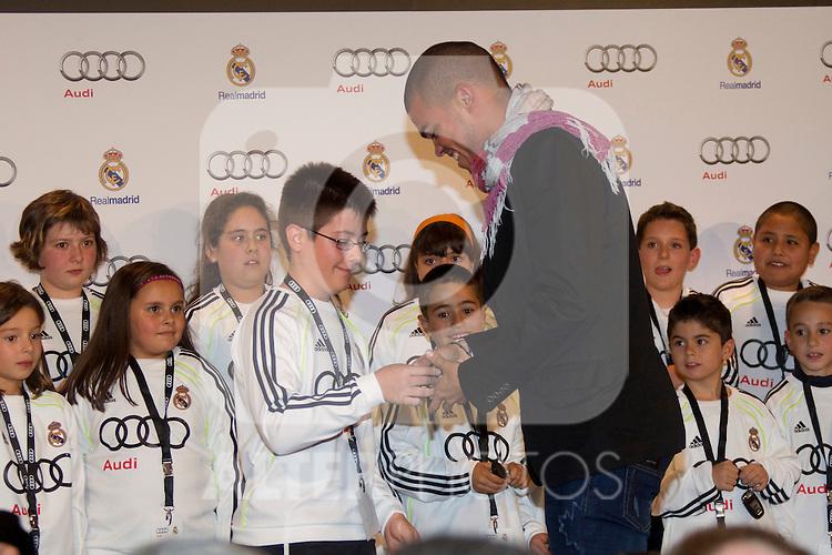 MADRID (08/11/2010).- Real Madrid players recieve new cars from Audi, team Sponsor. Pepe...Photo: Cesar Cebolla / ALFAQUI