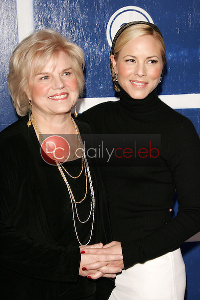Maria Bello and mother<br />at IFP's 15th Annual Gotham Awards, Chelsea Piers, New York City, NY. 11-30-05<br />Dave Edwards/DailyCeleb.com 818-249-4998