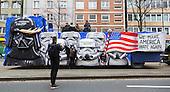 Düsseldorf, Deutschland. 27 February 2017. Make America Hate Again float. Carnival parade on Shrove Monday (Rosenmontag) in Düsseldorf, North Rhine-Westphalia, Germany.