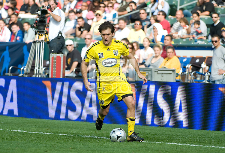 Guillermo Barros Schelotto dribbles up the sideline during MLS Cup 2008. Columbus Crew defeated the New York Red Bulls, 3-1, Sunday, November 23, 2008. Photo by John Todd/isiphotos.com