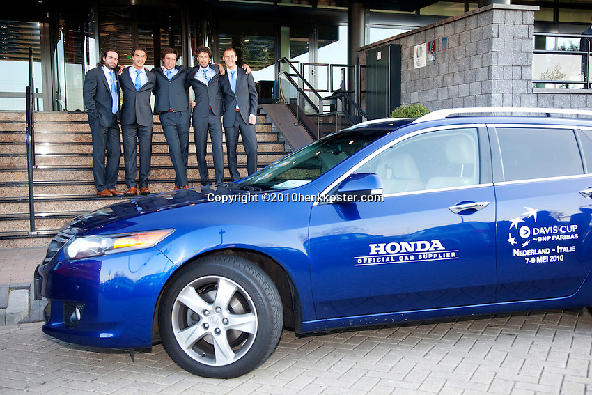 05-05-10, Zoetermeer, SilverDome, Tennis,  Davis Cup, Netherlands-Italy, Dutch team with official car, l.t.r.: Raemon Sluiter,  Jesse Huta Galung, Igor Sijsling , Robin Haase, and Thiemo de Bakker