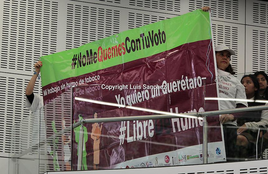 Santiago de Querétaro, Qro., 31 de enero de 2017.  En sesión de Pleno, los diputados de la LVIII Legislatura aprobaron con 23 votos a favor, el Dictamen de la Comisión de Igualdad de Género, Grupos Vulnerables y Discriminados, referente a las Iniciativas de Ley que reforman y adicionan los artículos 14, 17, 21, 22, 55, 56, 69 y derogan el 82 de la Ley para la Inclusión al Desarrollo Social de las Personas con Discapacidad del Estado de Querétaro; la Ley que reforma los artículos 3 fracción I y 4 fracción XXIV de la Ley para la Inclusión al Desarrollo Social de las Personas con Discapacidad del Estado de Querétaro y la Ley que reforma el artículo 6° de la Ley para la Inclusión al Desarrollo Social de las Personas con Discapacidad del Estado de Querétaro.