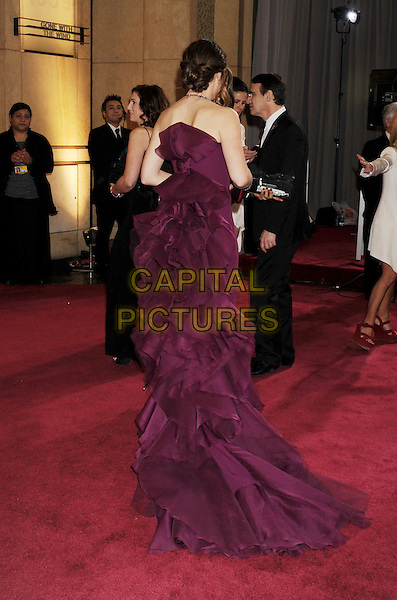 Jennifer Garner.85th Annual Academy Awards held at the Dolby Theatre at Hollywood & Highland Center, Hollywood, California, USA..February 24th, 2013.oscars full length strapless dress purple back behind rear train ruffle bustle  .CAP/ROT/TM.©Tony Michaels/Roth Stock/Capital Pictures
