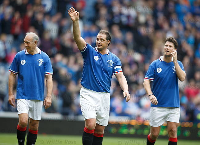 lorenzo Amoruso waving to the Rangers fans