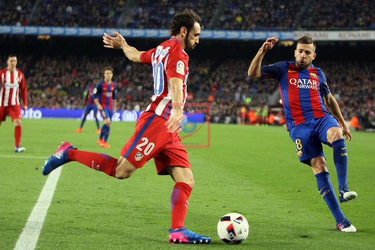 Copa del Rey 2016/2017 - Semifinal vuelta.<br /> FC Barcelona vs Atletico Madrid: 1-1.<br /> Juanfran vs Jordi Alba.