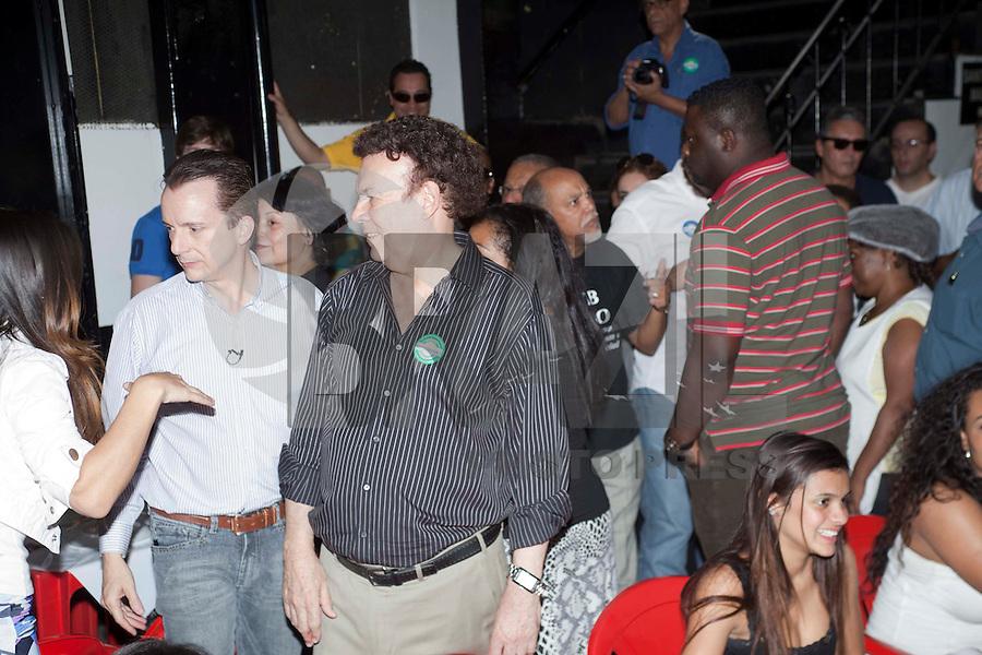 SAO PAULO, SP, 25 DE AGOSTO DE 2012 - ELEICOES 2012 - CELSO RUSSOMANNO-  O candidato a Prefeitura de Sao Paulo, Celso Russomanno (PRB) e o Deputado Estadual Campos Machado,d, participam do Almoco na escola de samba Vai-Vai, na zona central da cidade, nesta da tarde de sabaso 25. FOTO RICARDO LOU - BRAZIL PHOTO PRESS
