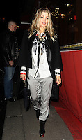 PAP0213KG433. Pregnant singer Fergie pictured leaving Le Stresa this evening after having dinner with friends. Paris, France.. /NortePhoto