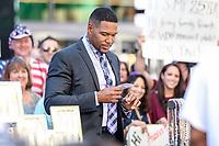 NEW YORK, EUA, 22.06.2017 - MICHAEL-STRAHAN - O ex jogador de futebol americano e apresentandor Michael Strahan é visto chegando a um programa de televisão em New York na manhã desta quinta-feira, 22. (Foto: Vanessa Carvalho/Brazil Photo Press)