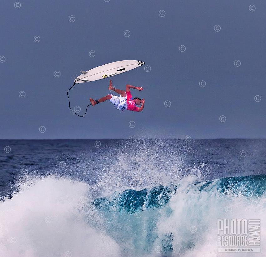 "Joel ""Parko"" Parkinson, Australian surfing champion, at2006 Rip Curl Pro Pipe Masters,Banzai PipelineonNorth Shore of Oahu."