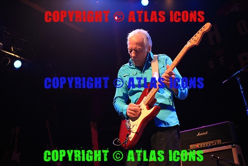 ROBIN TROWER, LIVE, 2009, NEIL ZLOZOWER