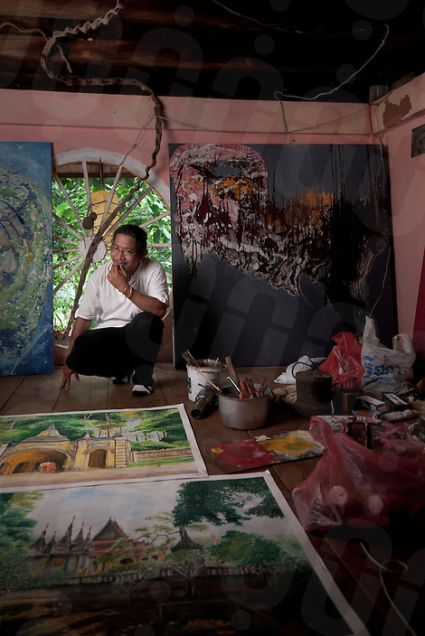 July 25, 2010 - Battambang, Cambodia. Artist Tor Vutha in his studio. © Nicolas Axelrod / Ruom