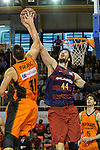Montakit Fuenlabrada's Ivan Paunic  and FC Barcelona Lassa's Ante Tomic during the match of Endesa ACB League between Fuenlabrada Montakit and FC Barcelona Lassa at Fernando Martin Stadium in fuelnabrada,  Madrid, Spain. October 30, 2016. (ALTERPHOTOS/Rodrigo Jimenez)
