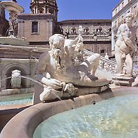 Piazza Pretoria and the Pretoria fountain, vasca con allegoria delfiume Gabriele.<br /> Piazza Pretoria, Palermo.
