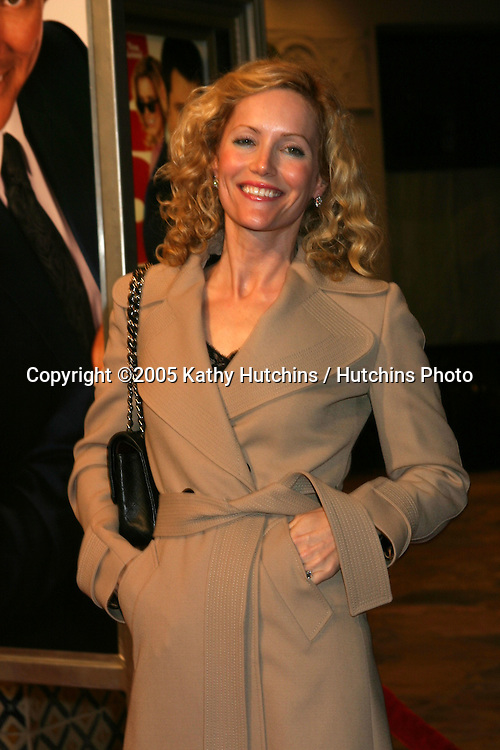 Leslie Mann.Fun with Dick & Jane Premiere.Mann's Village Theater.Westwood, CA.December 14, 2005.©2005 Kathy Hutchins / Hutchins Photo....