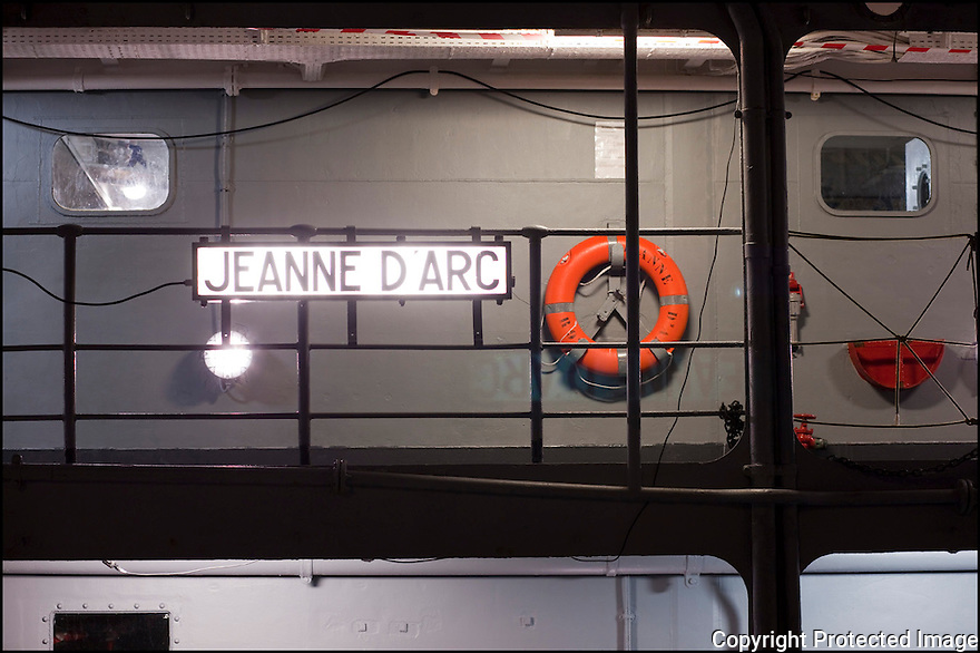 """Mode / Porte-hélicoptères Jeanne D'Arc<br /> """"La midship Colas"""""""