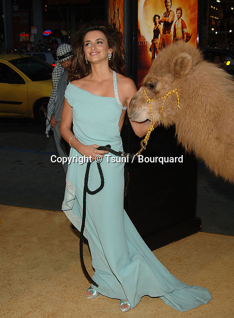 Penelope Cruz arriving at the SAHARA Premiere at the Chinese Theatre in Los Angeles. April 4, 2005.