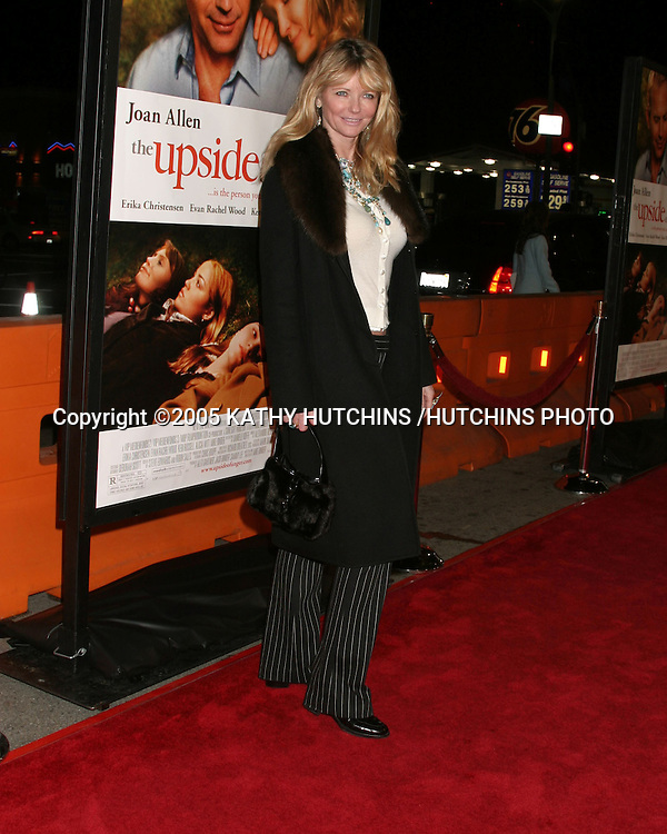 "CHERYL TIEGS.""THE UPSIDE OF ANGER"" SCREENING.MANN NATIONAL THEATER.WESTWOOD, CA.MARCH 3, 2005.©2005 KATHY HUTCHINS /HUTCHINS PHOTO..."