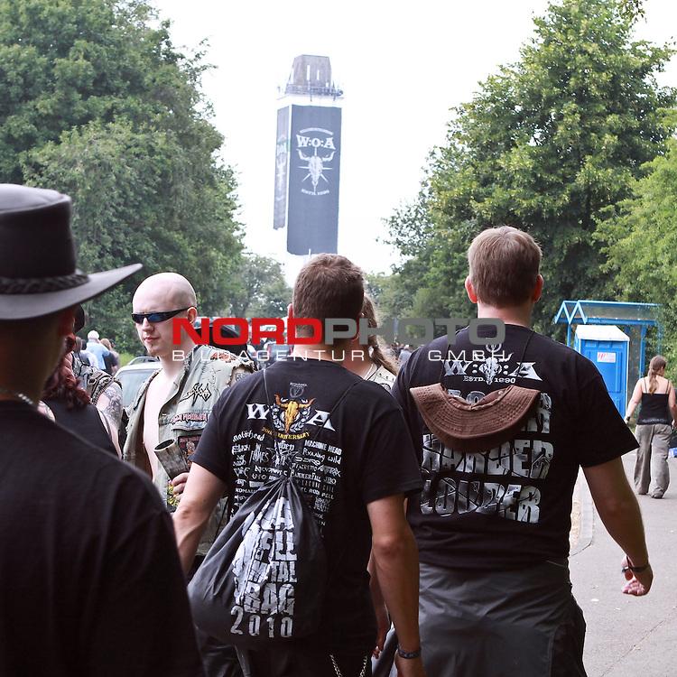 06.08.2010, Wacken Open Air 2010, Wacken, GER, 2.Tag beim 21.Heavy Metal Festival 75.000 Fans stellen ein Dorf auf den Kopf, Foto © nph / Kohring