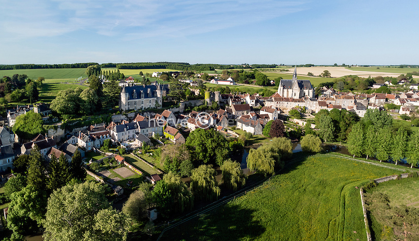 Indre-et-Loire (37), Montr&eacute;sor, class&eacute; Les Plus Beaux Villages de France (vue a&eacute;rienne) // Indre et Loire, Montresor, labelled Les Plus Beaux Villages de France (The Most beautiful<br /> Villages of France), (aerial view)