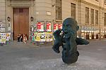 ECO, la scultura di Marc Didou ai piedi della Mole. Didou's sculpture in the centre of Torino.