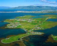 Álftanes séð til norðurs. Bessastaðir í bakgrunni / Alftanes viewing north