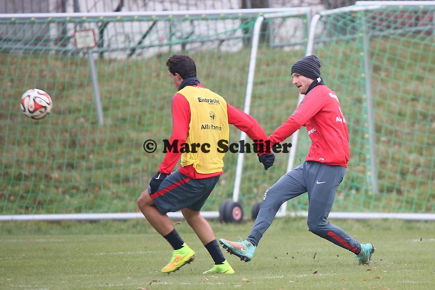 Stefan Aigner gegen Slobodan Medojevic (Eintracht) - Eintracht Frankfurt Training, Commerzbank Arena
